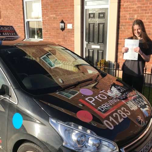 Another pupil passes with just 1 driving fault.